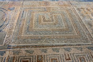 191012-08-07-Nazare-to-Coimbra-Conimbriga-Roman-mosaics