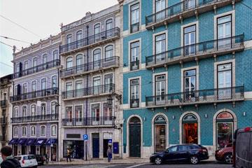 191021-30-Lisbon-buildings-360x240