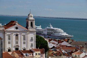 191022-16-Lisbon-cruise-ship