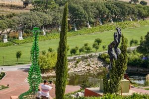 191011-10-Nazare-09-Buddha-Eden-Winery-garden